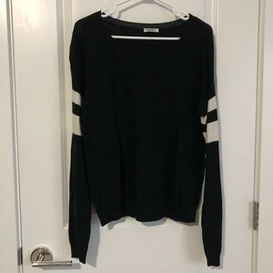 ARITZIA TNA BLACK SWEATER W/ 2 WHITE STRIPES - SM